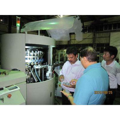 Plastic cap lining machine for cocacola caps