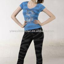 woman's fashion seamless T-shirt