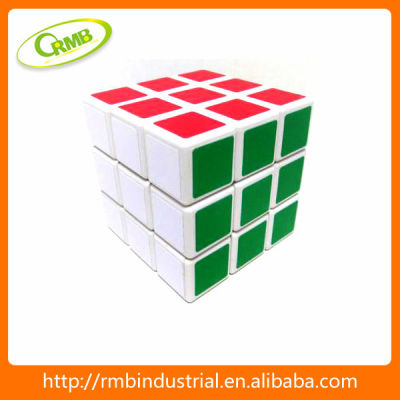 Puzzle cube keychain high quality china toy magical puzzle cube