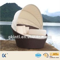 Round wicker outdoor daybed
