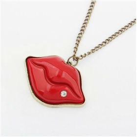 Sexy Red Lip Shape Chain Necklace