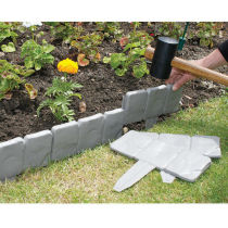 Cobbled Stone Effect Plastic Lawn garden edging