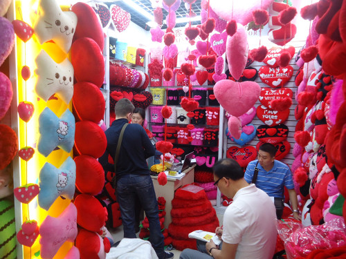 Yiwu and Guangzhou Furniture Items Market Visit