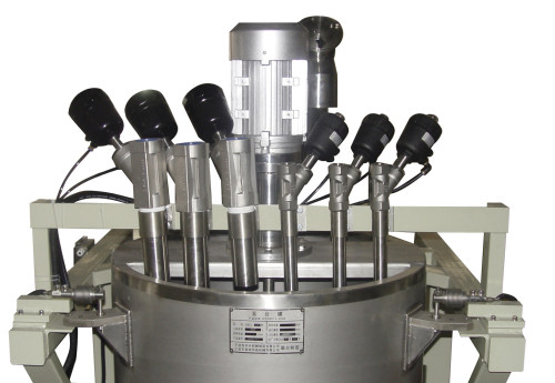 Automatic weighing and dissolving system