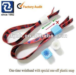 Einmaliger Wristband mit speziellem einmaligem Specialverschluß