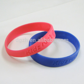 logo personalizzato braccialetti in silicone per il regalo promozionale