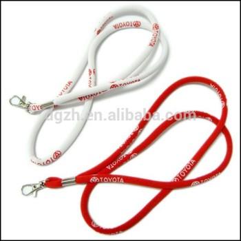 Ronda cordón para el cuello con tejido logotipo personalizado