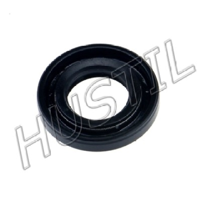 High quality gasoline Chainsaw   6200 right oil seal