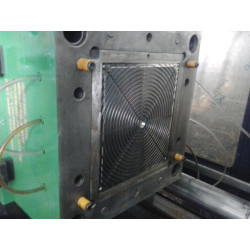 Freezer Fan Cover Injection Mould Size 500x450x350mm 1 Cavity