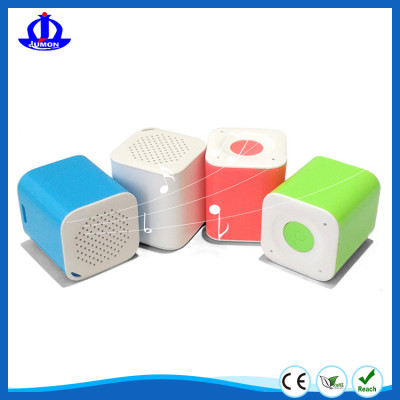 wireless bluetooth speaker with self-timer function