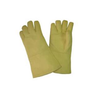 Hands in tig welding operation