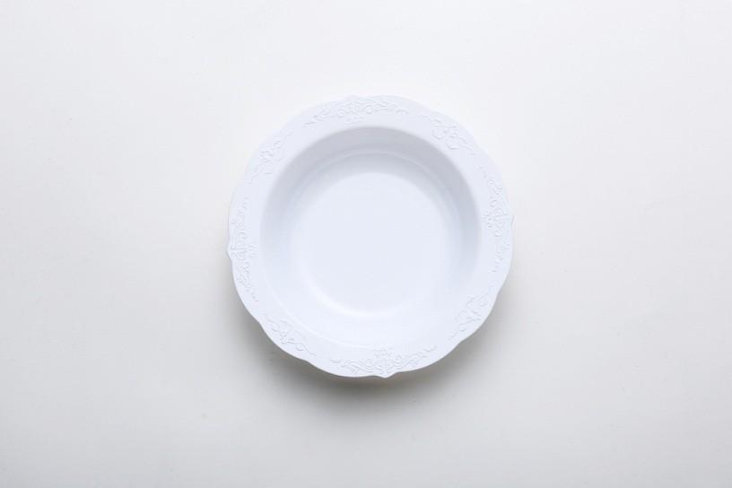 深い丸皿を彫る