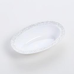 ブロンズの深い楕円形のプレートを彫る