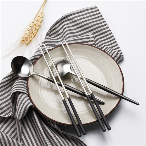 2set Black and sliver spoon with chopstick