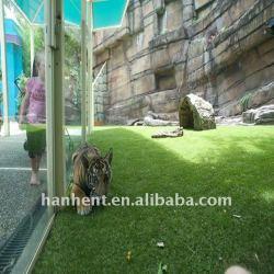 Ландшафтный зоопарк натуральным покрытием украшения