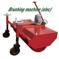 Gazon artificiel outils : machine de brossage