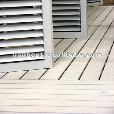 Popular de madera de plástico de suelo de tarima