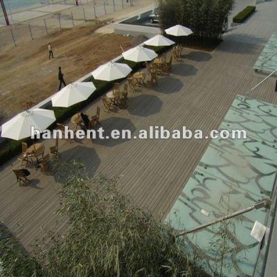 300 x 300 bois plastique composite platelage