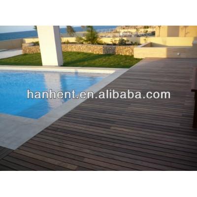En plastique composite planche de terrasse