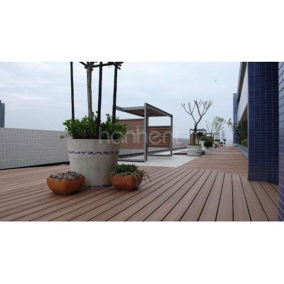 Jardín WPC cubierta