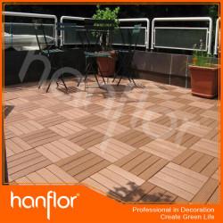 Quintal casa decks de madeira azulejo composto de
