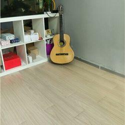 Salon colle bas résistance aux taches de revêtements de sol PVC planche