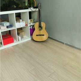 Sala de estar pegar abajo mancha resistencia suelo de PVC tablón