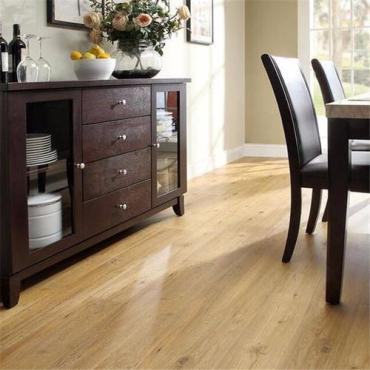 What is loose lay vinyl plank flooring and it's benefits?