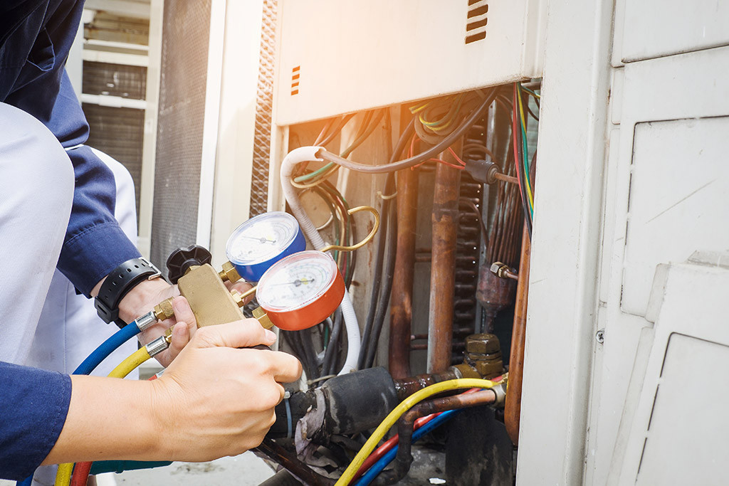 the two main ways to charge refrigerant correctly