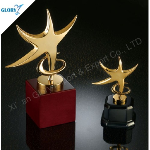 New Design Dancing Star Trophy With Wooden Base