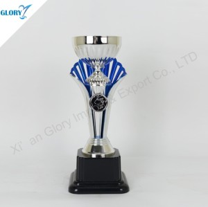 Beautiful Silver Cup Trophy for Souvenir