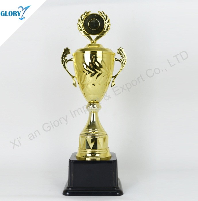 plastic trophies and awards