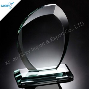 Custom Made Engraved Glass Trophies and Awards for Souvenir