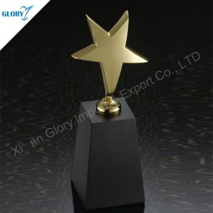 Latest Design Metal Gold Star Trophy with Black Crystal Base