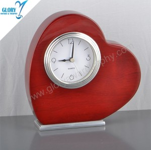 New Designs Heart Wooden Desk Clock for Souvenir