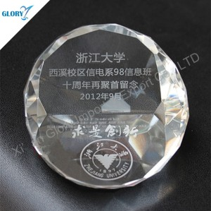 Wholesale Engraved Crystal Glass Diamond Shaped Paperweight