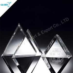 Small Memento Plaque Crystal Triangle Awards