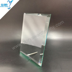 Metal stand glass trophy parts medals and trophies China