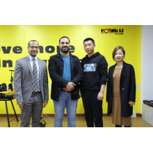 Welcome Friends from Six Direction to Hongli Pipe Machinery Factory