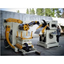 automatico svolgitore raddrizzatore e yaskawa sistema alimentatore macchina servo