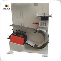 Machine de redressage des tôles métalliques