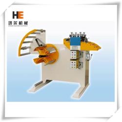 Machine de rembobinage avec dérouleur
