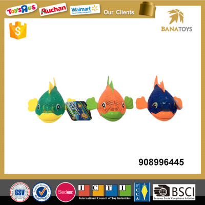 Mini plastic fish diving toy with light