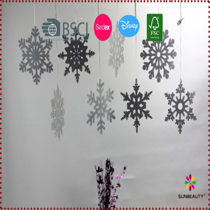 Pack of 8 Silver Snowflake Wall Hanging Decoration