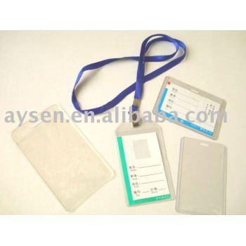 透明なプラスチック製のバッジケース