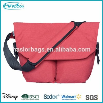 New design 15.6 inch laptop messenger bag for teenagers