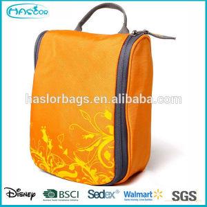2015 new design fashion hanging wash bag for travel