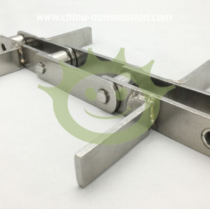 Stainless steel conveyor chains with scraper
