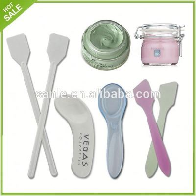 Plastic cosmetic scoop with raw material PP