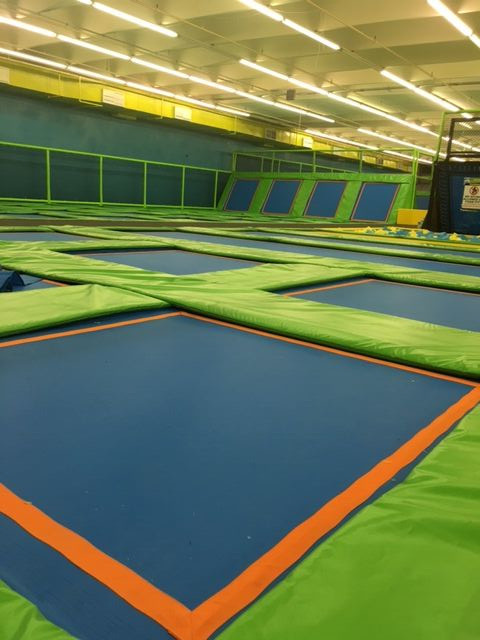 How to play the Olympic jump in a large trampoline park?